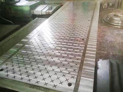 高分子防滑板材模具厂家